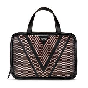 VICTORIA'S SECRET vs Bag Jetsetter Travel Case